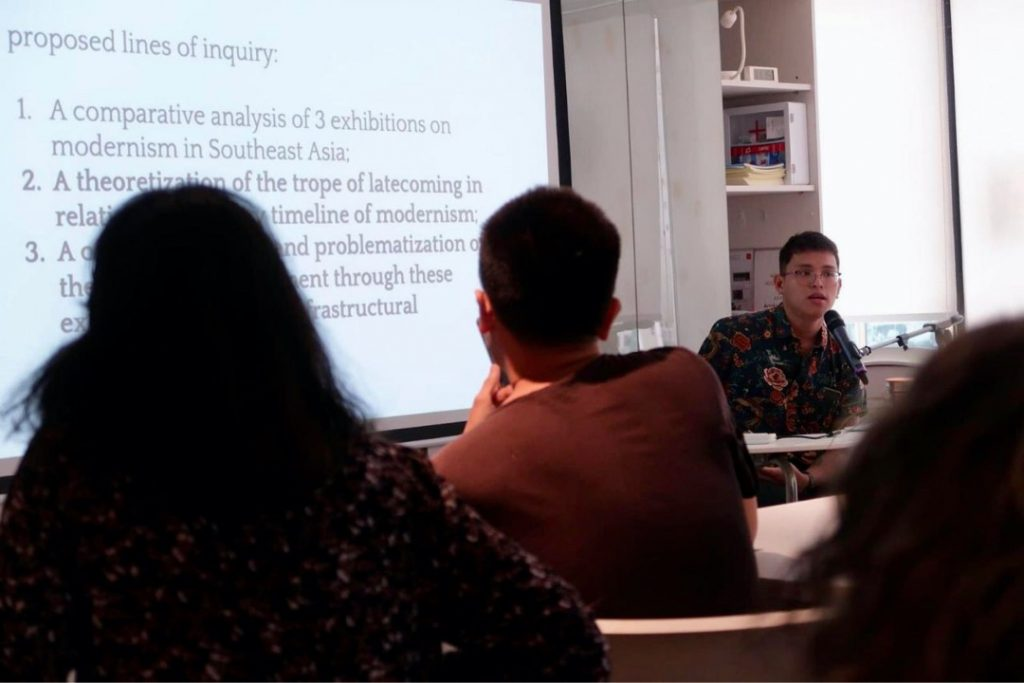 Presenting as a fellow of Getty Foundation's Connecting Art Histories, Modern Art Histories in and across Africa, South and Southeast Asia (MAHASSA) at the Asia Art Archive in Hong Kong, August 2019. Photography Muhammad Nafisur Rahman