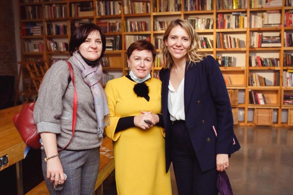With Alena Datsenko, director of Primorye State Gallery, and Natalia Levdanskaya, art historian and curator at Primorye State Gallery, ZARYA CCA, 2020